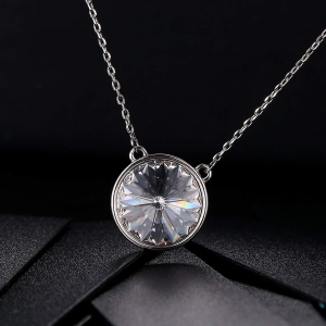 Rhodium plated Necklace with SWAROVSKI Rivoli Crystal